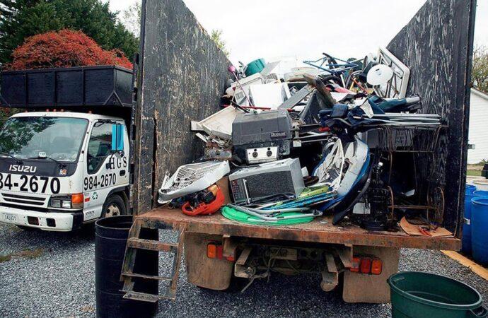 Junk Hauling-Scottsdale Dumpster Rental & Junk Removal Services-We Offer Residential and Commercial Dumpster Removal Services, Portable Toilet Services, Dumpster Rentals, Bulk Trash, Demolition Removal, Junk Hauling, Rubbish Removal, Waste Containers, Debris Removal, 20 & 30 Yard Container Rentals, and much more!