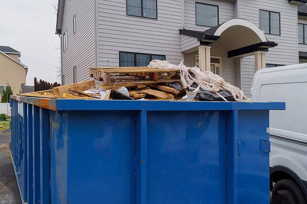 Services-Scottsdale Dumpster Rental & Junk Removal Services-We Offer Residential and Commercial Dumpster Removal Services, Portable Toilet Services, Dumpster Rentals, Bulk Trash, Demolition Removal, Junk Hauling, Rubbish Removal, Waste Containers, Debris Removal, 20 & 30 Yard Container Rentals, and much more!